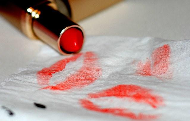 отпечаток помады