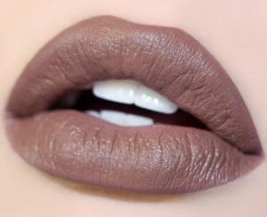 коричневые губы