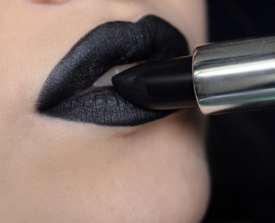 черные губы